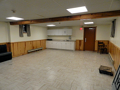 Craft room (basement)